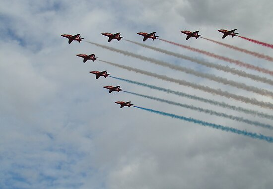 Red Arrows 8 by purpleminx