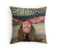 Hold That Pose - I'll Be Right Back.... Throw Pillow
