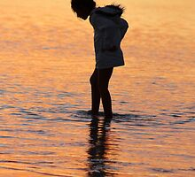 Hunting the snark, Coral Bay, sunset by Becncall Bec Lloyd