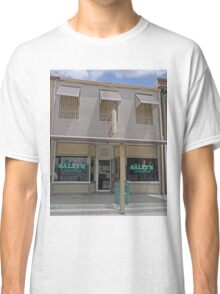 Dirty Sally's Saloon, Brunswick, Missouri, USA Classic T-Shirt