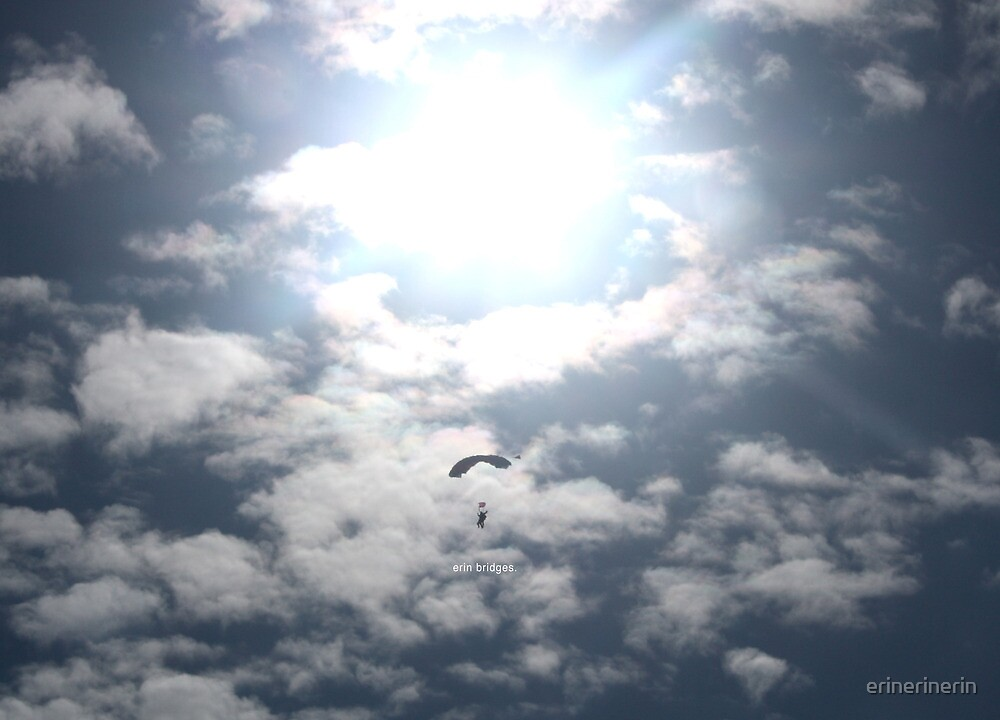 Parachuting by erinerinerin