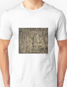 Shower Shock: A Face In The Folds Unisex T-Shirt