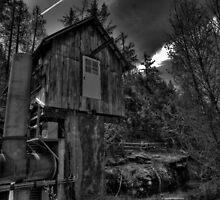 Old Pump House by Raymond Kundra