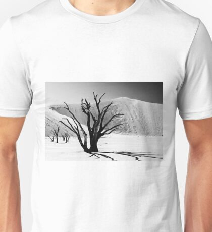 Dead Vlei with dead trees in desert landscape of Namib BW 01 Unisex T-Shirt
