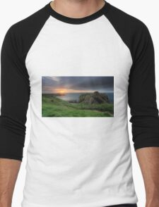 Dunnottar Castle at Sunrise Men's Baseball ¾ T-Shirt