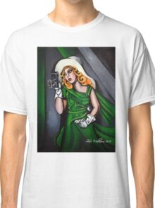 Photographer in Green Classic T-Shirt