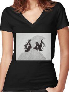 Minority Report Women's Fitted V-Neck T-Shirt