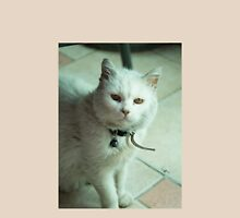 Cat e  Unisex T-Shirt