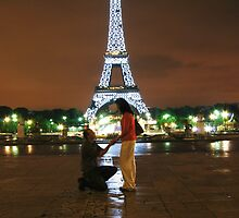 Engaged at the Eiffel Tower by Daniel Knox