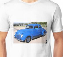 1939 FORD DELUXE COUPE Unisex T-Shirt