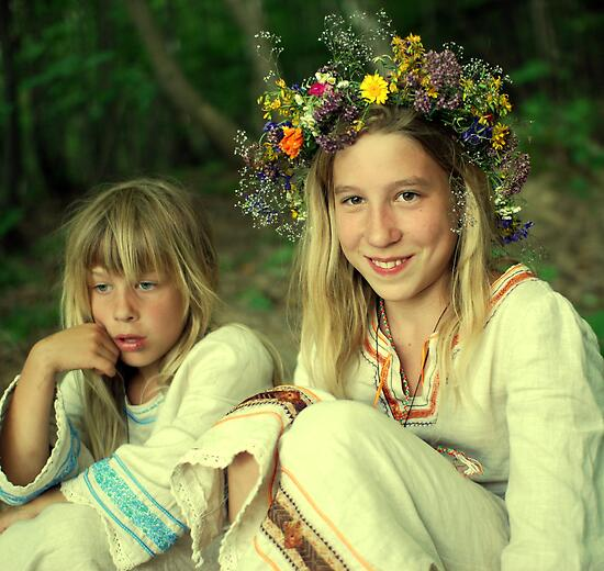 smile two Ukrainian girls by Iuliia Dumnova
