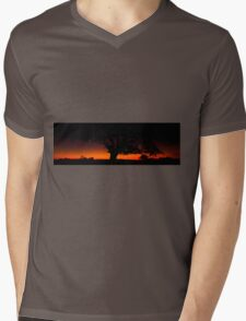 Panorama of a silhouette tree at dusk. Mens V-Neck T-Shirt
