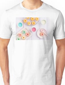 Mini bundt cakes Unisex T-Shirt