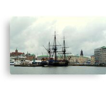 "The City of Gothenburg & East Indiaman ""Götheborg"" Canvas Print"