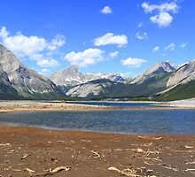Lakes and mountains by zumi