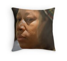 Umemulo Mother Throw Pillow