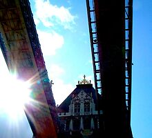 """Solar catch"", London, United Kingdom by Jennii Booth"