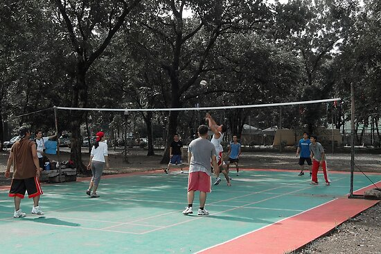 Quezon Memorial Circle activity: playing volleyball 11 by walterericsy
