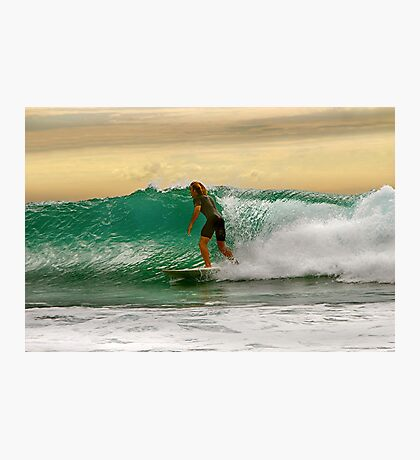 SURFER SHOWDOWN Photographic Print