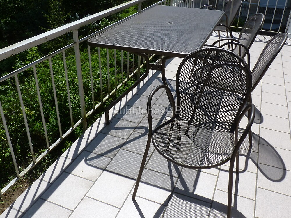 Table and chairs in metal by bubblehex08