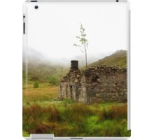 Ruined Bothy on the Drove Road iPad Case/Skin