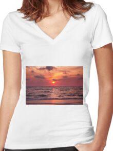 Tropical Sunset Beach Women's Fitted V-Neck T-Shirt