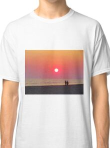 Couple Watching the Sunset Classic T-Shirt
