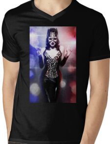 Catwoman - Caught in the act Mens V-Neck T-Shirt