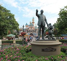Partners Statue Disneyland Castle by roguefaerie