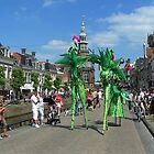 Stilt Walkers by ienemien