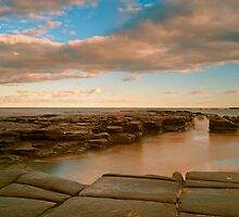 Garie beach dusk by donnnnnny