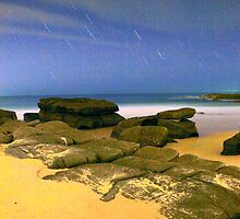 Soldier's Beach Star Trails 8pm by Leanne Doroszuk