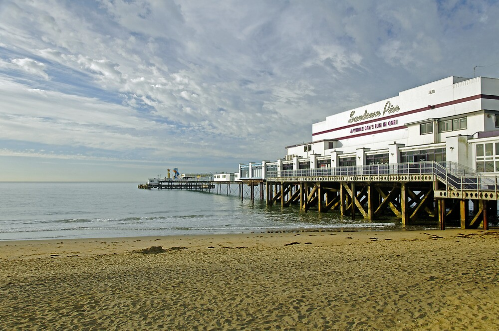 Sandown Pier by Rod Johnson