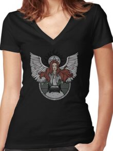 Hunters Women's Fitted V-Neck T-Shirt