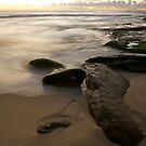 Rocks at Bronte by donnnnnny