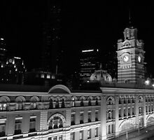 Flinders Street Station (Black and White) by Greg Tippett