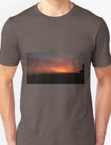 Colours merge at daybreak on Kangaroo Island Unisex T-Shirt