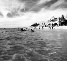 Cottesloe Beach by kcalba