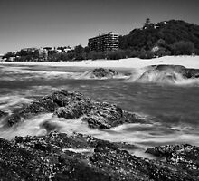 Currumbin Beach by Ann  Van Breemen