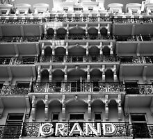 Grand Facade by phillirm