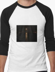 Moon over River Foyle Redcastle Donegal Ireland  Men's Baseball ¾ T-Shirt