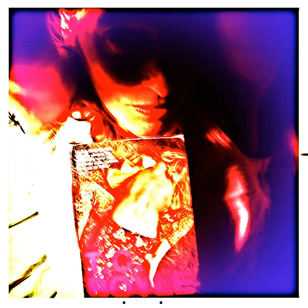 Comic book Heroine in bed with a book by Elorac
