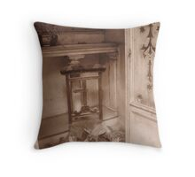 Crypt in Père Lachaise Throw Pillow