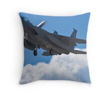 F-15 Strike Eagle coming home Throw Pillow