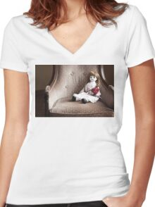 Rose and Doll Women's Fitted V-Neck T-Shirt