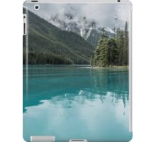 Maligne Lake 4 iPad Case/Skin