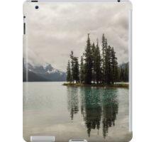 Maligne Lake 10 iPad Case/Skin