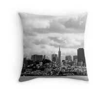 San Francisco, the skyline Throw Pillow