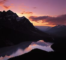 Dusk at Peyto Lake by Graeme Wallace