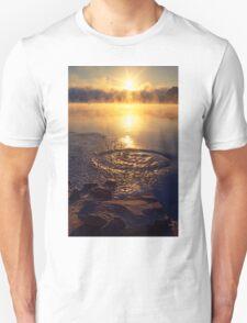 Ripple ring splash in water lake T-Shirt